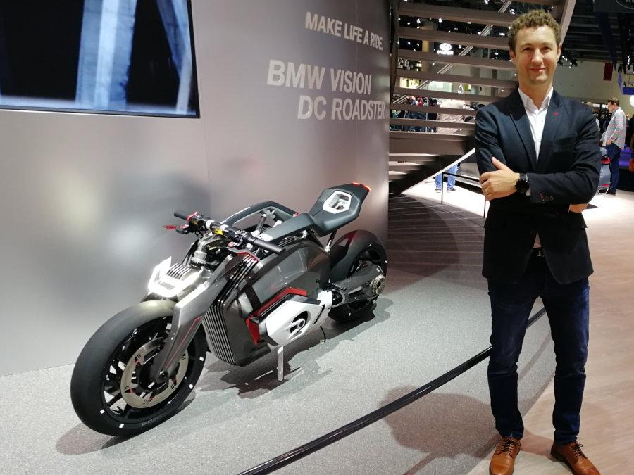 BMW DC Roadster auf der IAA mit Front- und Heckleuchte von GERG Lighthouse